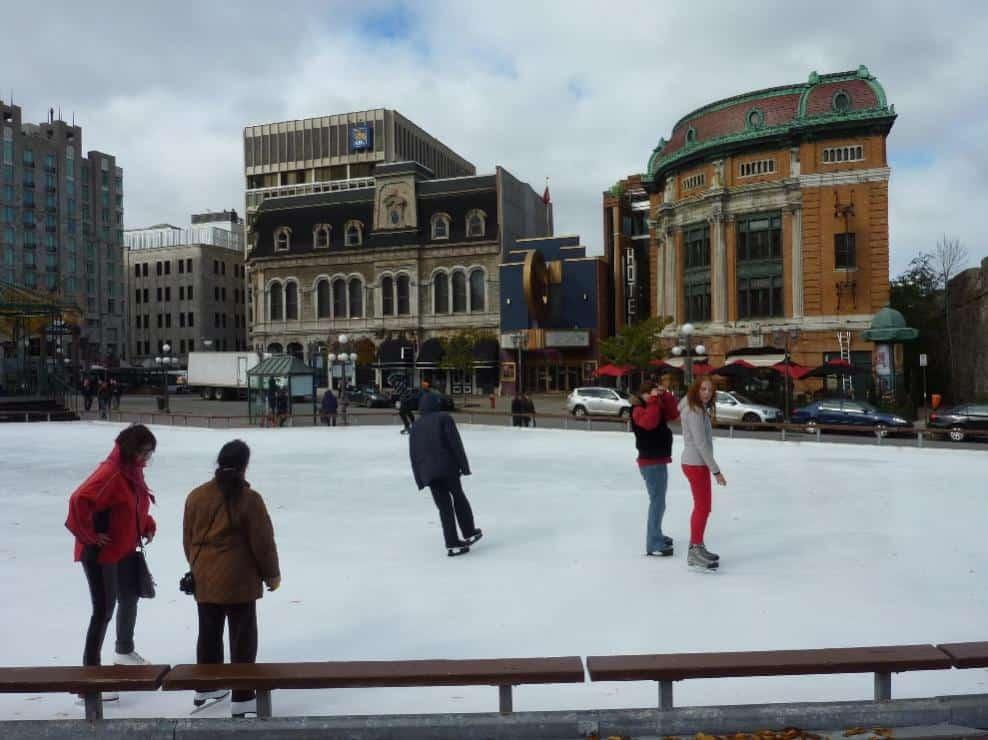 Eisbahn im Oktober in Quèbec City
