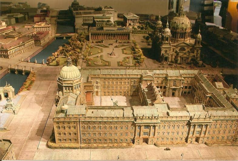 Modell des einstigen Berliner Zentrums mit dem Stadtschloss im Vordergrund