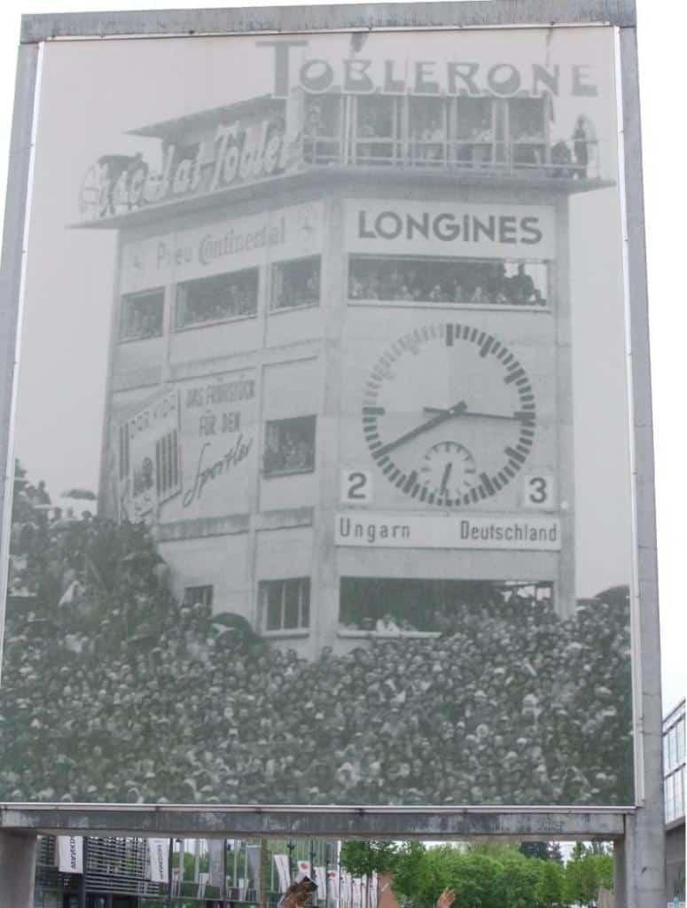 Die historische Anzeigetafel von 1954