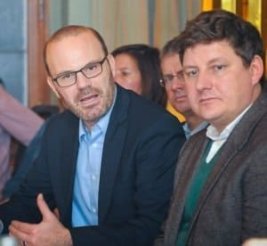 DB-Personenverkehrssprecher Andreas Fuhrmann und Ameropa-Geschäftsführer Kai de Graaff (re.) Foto: CTOUR/Wolf-Georg Kirst