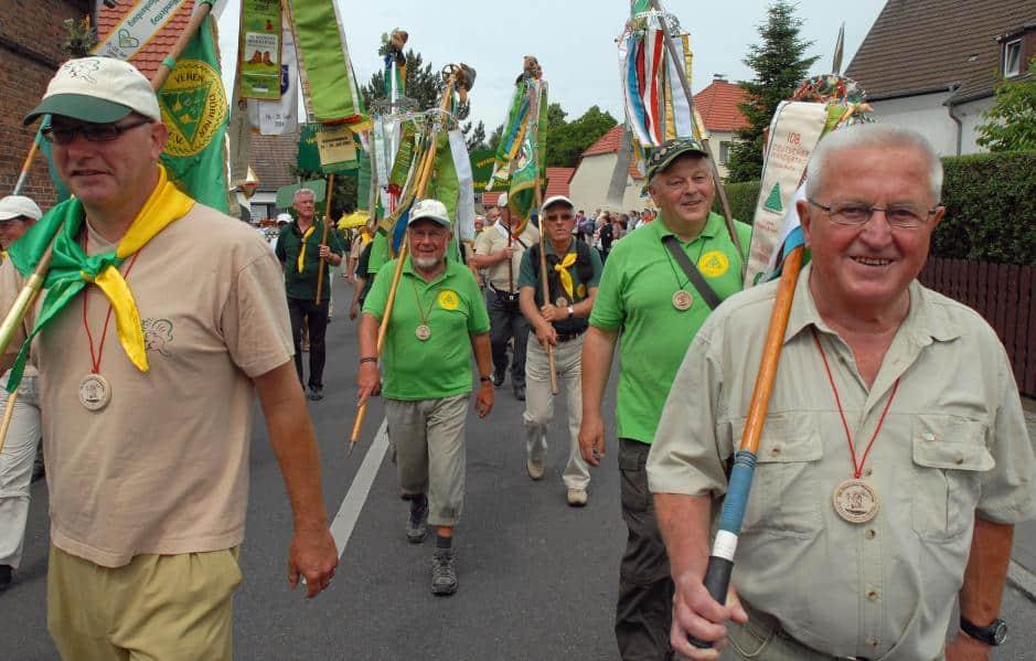 Höhepunkt des Deutschen Wandertages ist traditionell der Festumzug. In Bad Belzig nahmen am vergangenen Sonntag rund 12.000 Wanderer aus ganz Deutschland teil.