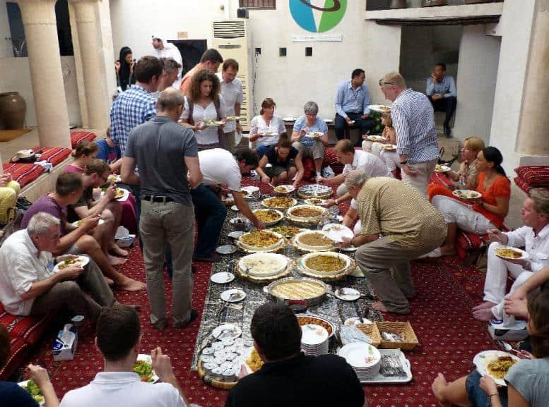 Selbstbedienung: Mittagstisch nach Art des Landes
