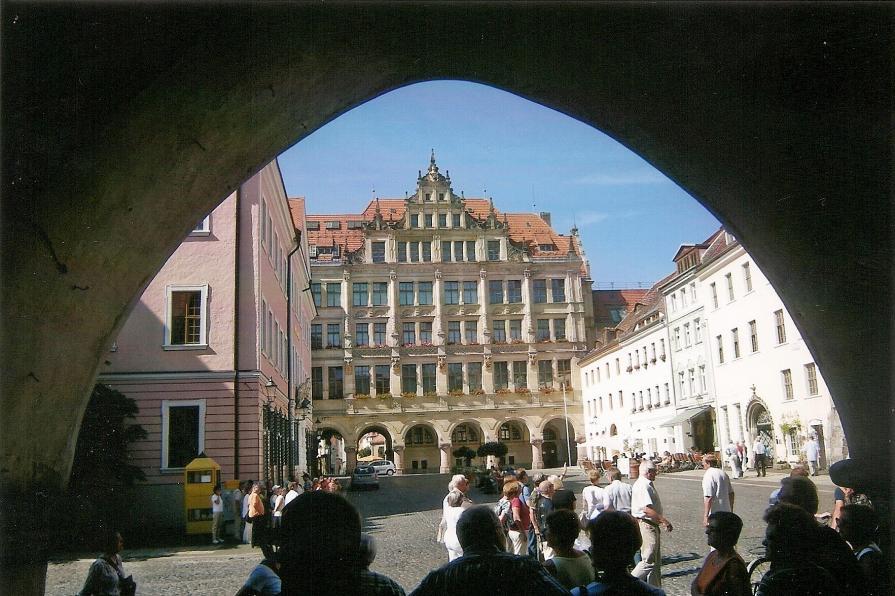 Bautzen - die Stadt der Türme im Frühling. 1300 Baudenkmäler prägen eines der schönsten Stadtbilder Deutschlands.
