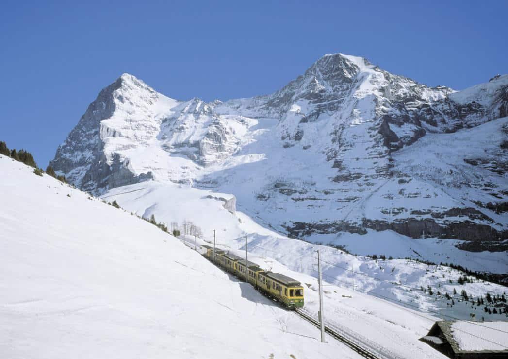 Mit der Bahn am kleinen Scheidegg