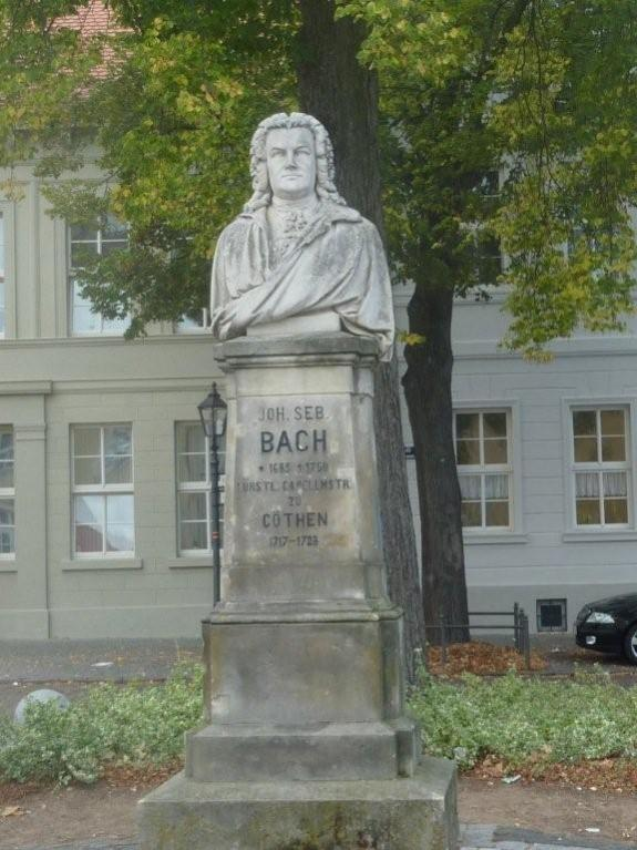 Bachdenkmal in der Wallstraße, wo der Musiker einst lebte