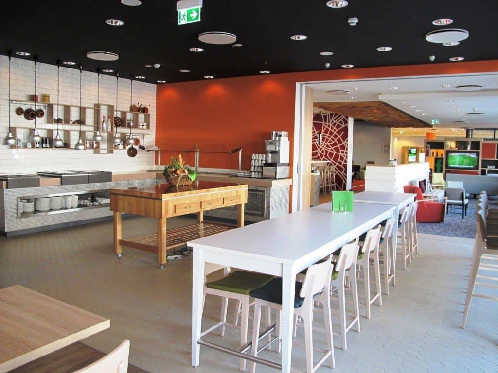 """CTOUR-Hotelstammtisch: Ein Holiday Inn mit erstem """"Open Lobby Konzept"""" in Deutschland 5"""