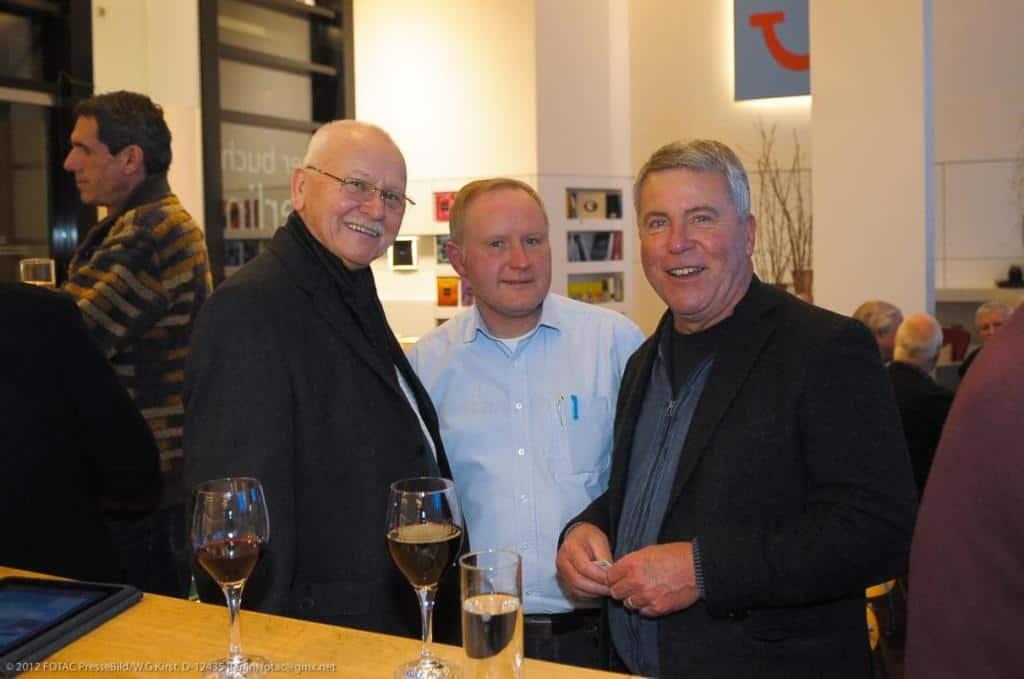 CTOURist Dr. Peer Schmidt-Walther (r.), maritimer Experte aus Stralsund, mit Thomas Richter und Helmuth Graf von Schlieffen (l.)