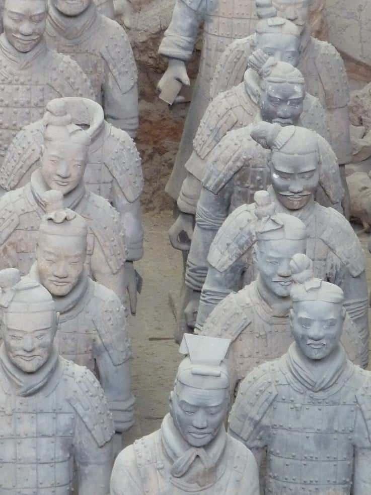 Unterschiedliche Gesichter der Soldaten