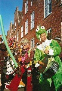 Lustige Musikanten aus den Niederlanden sorgen beim traditionellen Tulpenfest für ausgelassene Stimmung