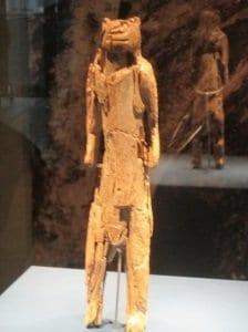 """Löwenmensch""-Figur im Ulmer Museum Foto: CTOUR/Hans-Peter Gaul"