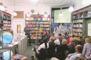 CTOURisten während der mo media-Präsentation in der auf Reiseliteratur spezialisierten Buchhandlung Schropp Foto: Hans-Peter Gaul