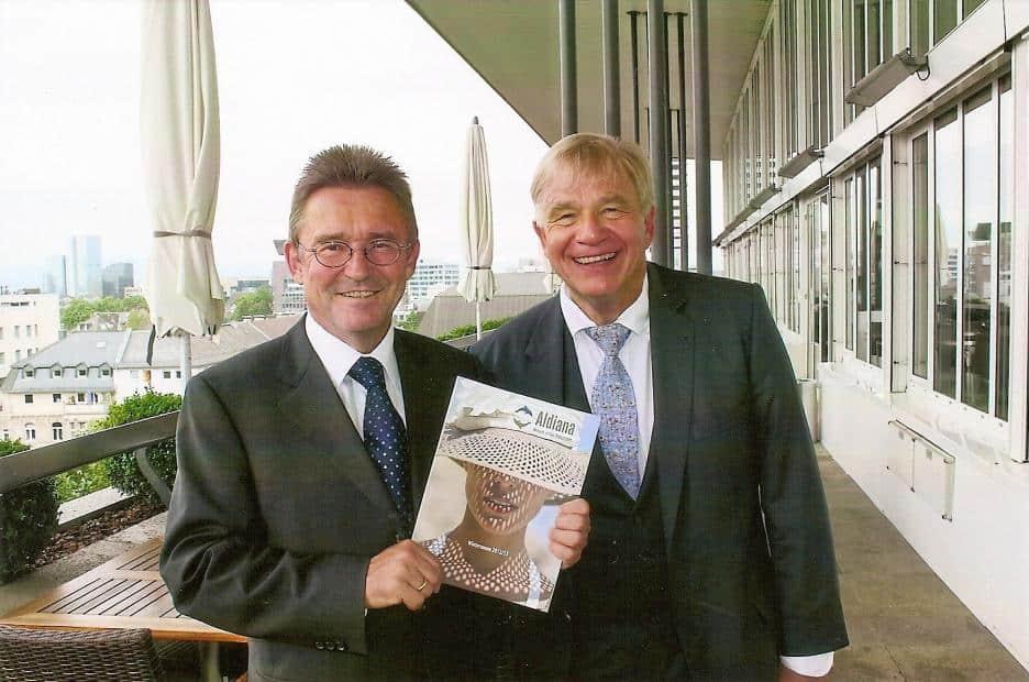 Aldiana-Geschäftsführer Peter Wennel (l.) mit Pressesprecher Gunther Träger auf der Dachterrasse des Fleming's Hotels Frankfurt
