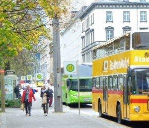 Kein Luxus: Bus-Wartestelle Leipzig Goethestraße