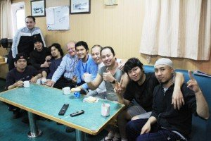 Gruppenbild mit fröhlicher Crew
