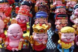 Im Souvenirshop: Buddhas im Taschenformat