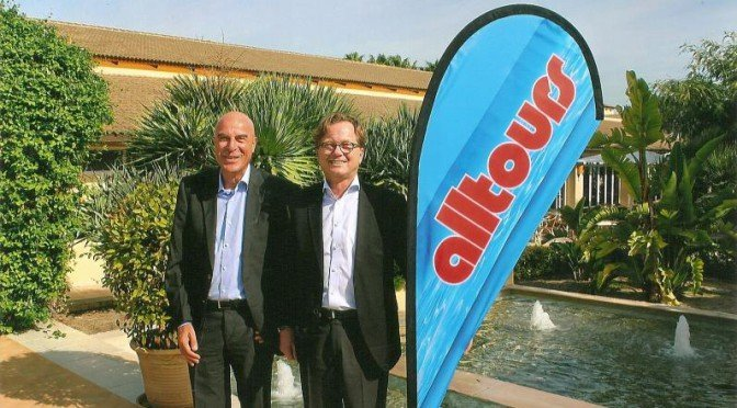 Willi Verhuven (l.) und Dieter Zümpel nach der Sommerkatalog-Präsentation auf Mallorca