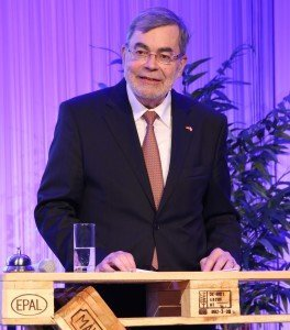 Der amtierende Präsident Jürgen Büchy wurde auf der 63. DRV -Jahrestagung einmütig im Amt bestätigt Foto: DRV Salzburg