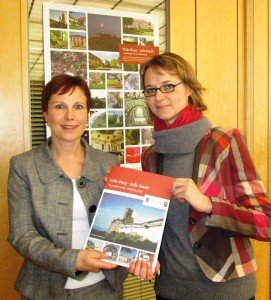 Die Geschäftsführerin der Eisenach-Wartburgregion, Heidi Günther, und die Oberbürgermeisterin von Eisenach, Katja Wolf, präsentieren: Tolle Burg - tolle Stadt