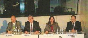 Kreuzfahrten im Gespräch: CLIA-Vorsitzender Deutschland Michael Ungerer, DRV-Präsident Jürgen Büchy, DRV-Pressesprecherin Sibylle Zeuch, IG RiverCruise-Präsident Robert Straubhaar (v. l.) Foto: H.-P. Gaul