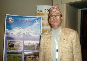 Subash Nivola, Vorstand vom Nepal Tourism Board weist auf neue Strecken neben dem Himalaya-Tourismus.  Foto: H. Schmidt