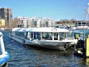 """Mit der """"Sanssouci"""" startete die Stern und Kreis trotz Kälte und Eis in die Berliner Schiffssaison 2013"""