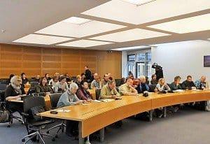 Grün zieht an: gut besuchte Pressekonferenz beim Nah- und Mittelost-Verein e.V. in Berlin-Mitte. Foto: M. Weghenkel