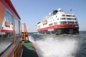 "Anfahrt mit dem Lotsenboot ""Muttland""  Fotos: Dr. Peer Schmidt-Walther"