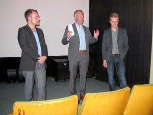 BDL-Präsident Klaus-Peter Siegloch (Mitte) mit Produzent Philip Töpfer (links) und Regisseur Nico Kreis vom prämierten Filmteam Fotos: BDL, Manfred Weghenkel