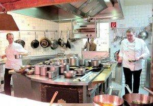 """Blick in die Küche des """"Waldhauses"""": Hier sind wahre Künstler am Werke!"""