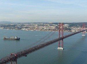 Brücke des 25. April über den Tejo