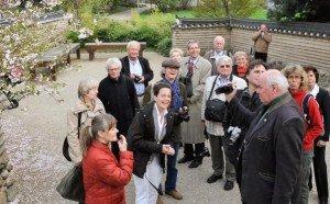 Beate Reuber, Parkmanagerin Gärten der Welt, führte die Medienvertreter durch die blühenden Gärten der Welt
