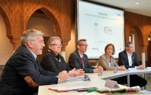 Auf dem Podium: Jochen Sandner, Christa Ringkamp, Claus Kriegs, Katharina Langsch, Christoph Schmidt (v. l.)