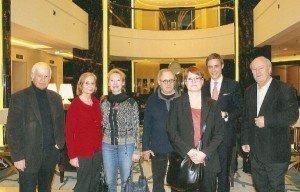 Benedikt Winkels (2. v. r.) mit CTOUR-Vorstandsmitgliedern in der Lobby des Waldorf Astoria Berlin Fotos: H.-P. Gaul