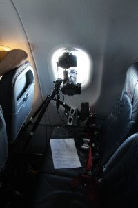 Mit aufwändigen Konstruktionen wurde die SoFi aus dem Flugzeug beobachtet