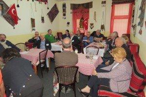 Medientreff im türkischen Café Efes in Berlin Foto: Hans-Peter Gaul