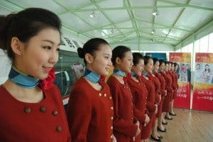 Orientalische Schönheiten - Flugbegleiterinnen bei der Hainan Airlines