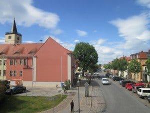 Blick aus der Alten Posthalterei auf das Zentrum der Spargelstadt Beelitz Fotos: Manfred Weghenkel (13), Hans-Peter Gaul (4), Titanen der Rennbahn
