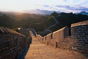 Auf der Großen Mauer bei Sonnenuntergang