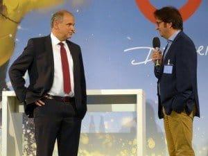 Der neue CEO Sebastian Ebel im Gespräch mit Kommunikationschef Mario Köpers