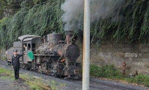 Historische Lok der Jiayang Dampfeisenbahn