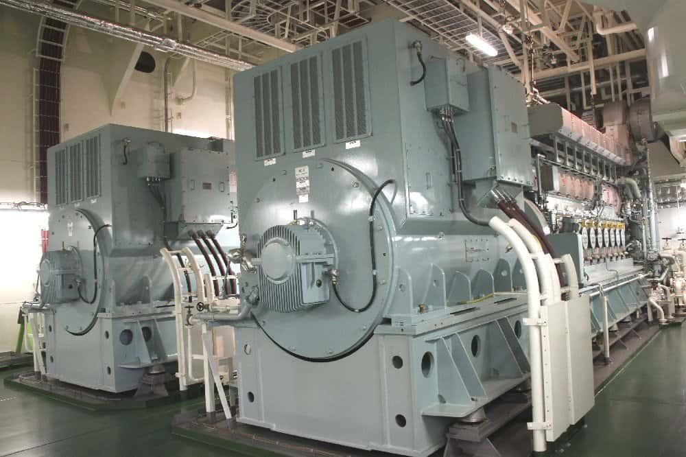 ASTOR-Maschinenraum mit Hilfsdieseln Fotos: PSW