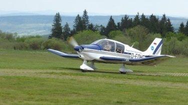 Flug mit Motorsegler
