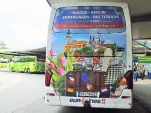 Auch bei Fernbussen kann ein schöner Rücken entzücken