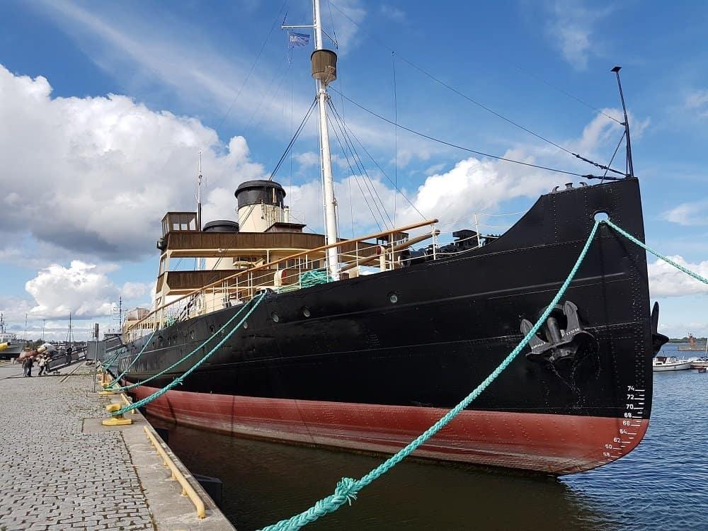 Der historische Dampfeisbrecher SUUR TOLL