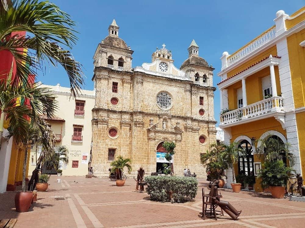 Platz vor der Kathedrale von Cartagena