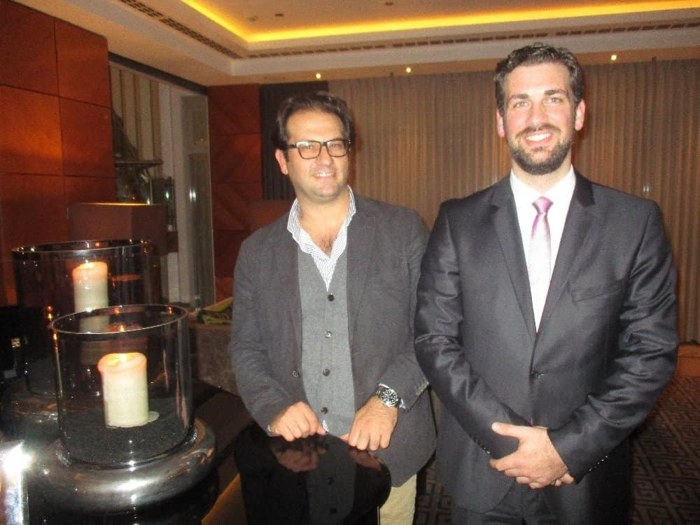 Giovanni B. Merello (l.) und Frank Braun in der Lobby des Hotels Palace Berlin