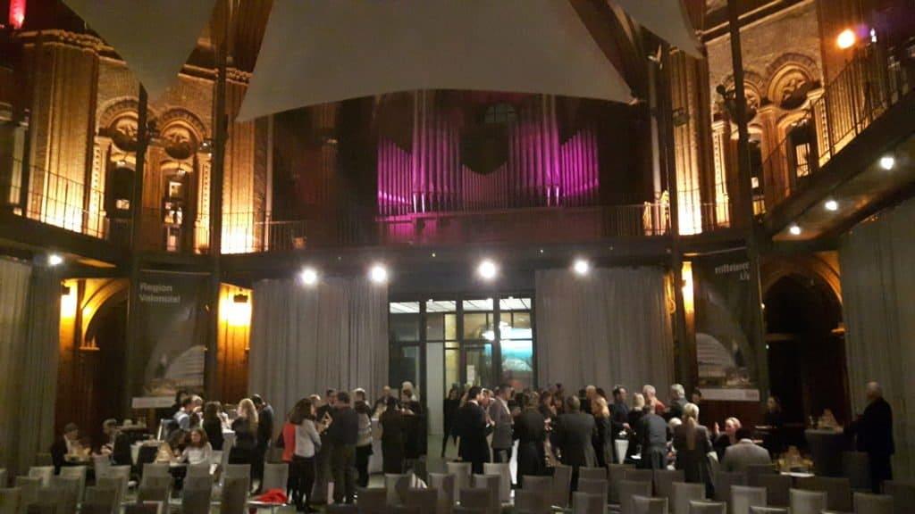 Die Heilig-Kreuz-Kirche bot den passendem Rahmen für die stimmungsvolle Präsentation der Kulturregion Valencia in Berlin